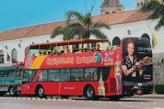 Buses de dos pisos en Cartagena Colombia.