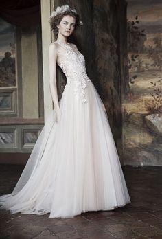 Les inspirations mariage d'Alberta Ferretti http://www.vogue.fr/mariage/interview/diaporama/les-inspirations-mariage-dalberta-ferretti/20638/carrousel#les-inspirations-mariage-dalberta-ferretti-13