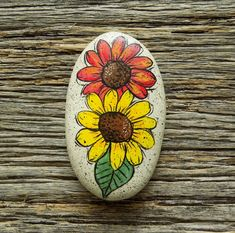 Red and Yellow Sunflower Painted Rock, Decorative Accent Stone, Paperweight by HeartandSoulbyDeb on Etsy Turtle Painting, Heart Painting, Pebble Painting, Pebble Art, Stone Painting, Chalk Painting, Painting Abstract, Turtle Painted Rocks, Painted Rocks Craft