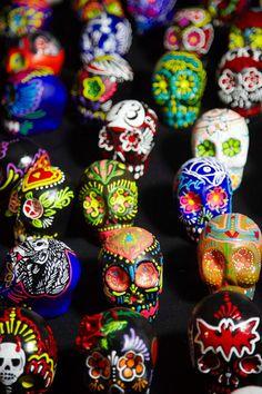 LAdayofthedead.com painted skulls