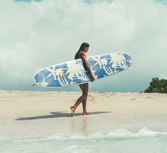 Palmy prints makin' major board envy.