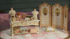 Screen table and maniquins .. Nono mini Nostalgia