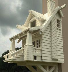 The American Craftsman bungalow birdhouse