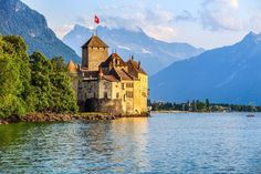 As well as its medieval cities, banking hubs and resort towns, Switzerland boasts some of Europe's most magnificent scenery. From awe-inspiring alpine peaks, stunning waterfalls, rolling hills lined with pretty vineyards and walks through lush greenery, there are a plethora of stunning landscapes to explore. We've done the hard work for you and cho