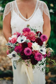 California winery wedding with fuchsia accents - photo by Imagen Photos http://ruffledblog.com/california-winery-wedding-with-fuchsia-accents