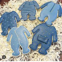 #baby #babyshower #onesie Onesie Cookies, Baby Cookies, Baby Shower Cookies, Cute Cookies, Cupcake Cookies, Cookies Et Biscuits, Cookie Favors, Flower Cookies, Heart Cookies