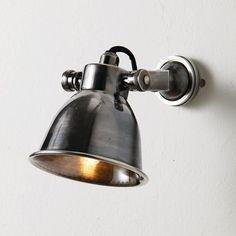 Wandlampe, Geneuille