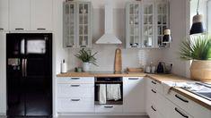 Piękna kuchnia: wnętrza w klasycznym stylu - Galeria - Dobrzemieszkaj.pl Bali, Kitchen Cabinets, House, Design, Home Decor, Kitchens, Rooms, Interiors, Home