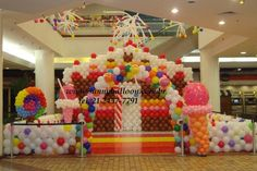 Candyland balloon decor. Balloon Candy sculpture.  This is CRAZY, so I had to pin it