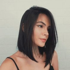 A long bob, or lob, as it is usually alluded to, has persistently been named the hairstyle of the year. Here are the 20 best long bob hairstyles Medium Short Haircuts, Long Bob Haircuts, Long Bob Hairstyles, Hairstyles 2018, Bob Haircut Long, Indian Hairstyles, Wig Hairstyles, Black Bob Haircut, Newest Hairstyles