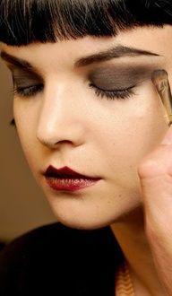 20's WomanFashion-Makeup