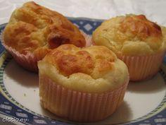 <p>I+Muffin+prosciutto+cotto+e+formaggio+sono+degli+stuzzichini+molto+sfiziosi,+semplici+da+preparare+e+molto+apprezzati.<br+/>I+Muffin,+sia+dolci+che+salati+sono+ideali+da+preparare+per+una+festa+di+compleanno+o+per+un+buffet+e+non+richiedono+molto+tempo.+In+entrambi+i+casi,++in+pochissimo+tempo+otterrete+dei+Muffin+molto+gustosi++e+morbidi+e+farete+un+figurone+senza+tanta+fatica.+</p>