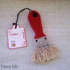 Amigurumi Brush - FREE Crochet Pattern / Tutorial (In French) Crochet Gratis, Crochet Diy, Crochet Amigurumi, Crochet Food, Love Crochet, Amigurumi Patterns, Crochet Dolls, Crochet Patterns, Crochet Animals
