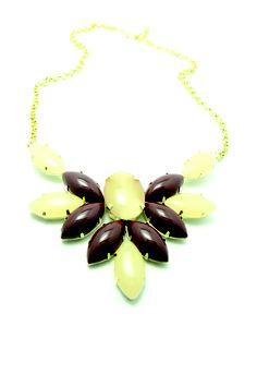 Maxi colar Luxo de  pedras  R$125.50
