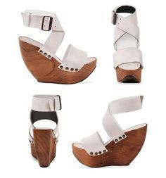 A pedido del publico, mas zapatos caseros. Estas sandalias tipo zueco con base de madera son muy faciles de hacer, y super economicas. Adema...