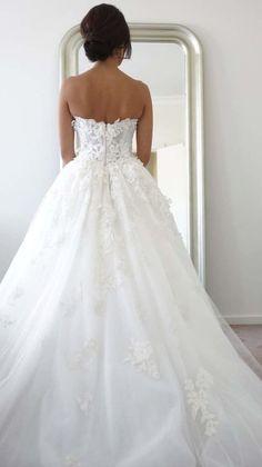Wedding dress idea; Featured Photographer: SugarLove Weddings