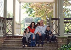 Family photo pose    kerry b smith photography Williamsburg and Richmond, Virginia Children & Family Photographer