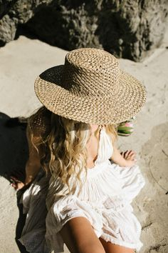 hats for women hats for women baseball vintage hats hats for short hair hats for women summer hat outfit hat outfit baseball Hats For Short Hair, Short Hair Styles, Outfits For Mexico, Knit Beanie Pattern, Hat Organization, Summer Hats For Women, Shady Lady, Fashion Images, Fashion Women