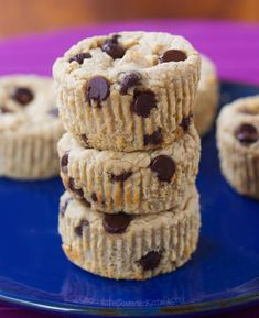 Soft, fudgy almond butter blender muffins – NO flour and NO oil required! The blender muffin obsession continues! You bake just once and get a delicious and healthy breakfast for… Chocolate Muffins, Mini Chocolate Chips, Chocolate Covered, Chocolate Chocolate, Healthy Muffin Recipes, Healthy Muffins, Keto Recipes, Healthy Snacks, Low Carb Cheesecake