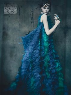 Haute Tension by Paolo Roversi for Vogue Italia's September 2011 Couture Supplement - Ananas à Miami