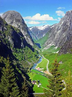 The Gudvangen Valley ,Sognefjord, Norway, we were there in 1992 -- one of the most beautiful places I have seen. Beautiful Norway, Beautiful World, Places To Travel, Places To See, Wonderful Places, Beautiful Places, Voyager C'est Vivre, Beau Site, Norway Travel