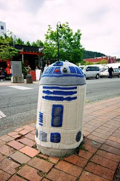 R2-D2 Yarnbombing!  Knit R2 covertly placed on the streets of Bellingham, WA covering a traffic bollard.