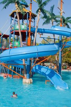 Top 10 Water Parks Around the World