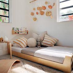 Baby Floor Bed, Toddler Floor Bed, Floor Beds For Toddlers, Toddler Bed On Floor, Floor Bed Frame, Kids Beds For Boys, Toddler Bed Frame, Montessori Toddler Rooms, Montessori Bedroom