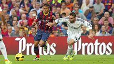 FC Barcelona 2 - 1 Real Madrid. Dus FC Barcelona heeft gewonnen. Er was nog beetje ruzie in de veld. Maar toen was het afgelopen.