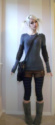 Though I would probably never wear shorts over leggings, the outfit and hair are still cute.