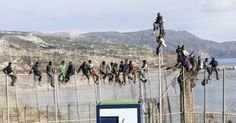 Más de 16.000 inmigrantes intentaron cruzar la valla de Melilla este año El dolor de no tener futuro