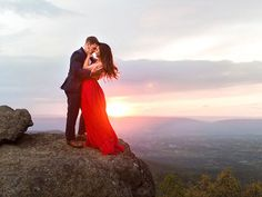 A romantic sunset mountain engagement session in the Blue Ridge Mountains at Shenandoah National Park by Molly Lichten Photography Forest Engagement Photos, Country Engagement Pictures, Engagement Photo Poses, Fall Engagement, Engagement Shoots, Engagement Photography, Romantic Couple Poses, Wedding Photo Inspiration, Blue Ridge