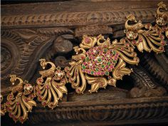 Exclusive antique jewellery collections-M.P. SWARNA MAHAL.  For more:http://www.creativelycarvedlife.blogspot.in/