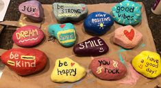 Painted Rock Animals, Hand Painted Rocks, Painted Stones, Painted Pebbles, Rock Painting Patterns, Rock Painting Designs, Pebble Painting, Stone Painting, Painting Art