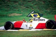 Ayrton e a bandeira do Brasil