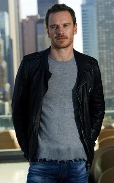 how can you not fancy the fassy??? Michael Fassbender..mmm..fell in love with him in X-men First Class!