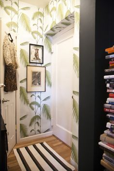 Entryway wallpaper, Cole & Son Palm Leaves wallpaper, lonny blog #walls