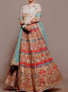 Pictures of lost world Asian Bridal Wear, Pakistani Bridal Wear, Pakistani Outfits, Indian Bridal, Bridal Outfits, Bridal Dresses, Festival Wear, Indian Dresses, Traditional Dresses