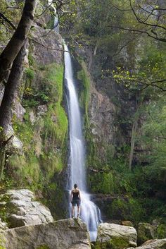Oneta Waterfalls - declared a Natural Monument by the Government of the Principality of Asturias, are a reference point for many visitors. Beautiful Waterfalls, Beautiful Landscapes, Wonderful Places, Beautiful Places, Asturias Spain, Spain And Portugal, Spain Travel, Madrid, Amazing Destinations