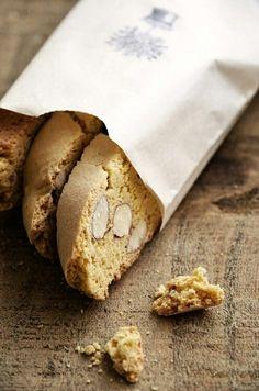 biscotti quaresimali con mandorle