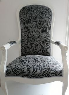 Seating For Small Living Room Furniture, Old Sofa, Dining Room Chairs, Sofa Chair, Comfortable Accent Chairs, Reupholster Furniture, Armchair, Big Chair, Upholstered Chairs