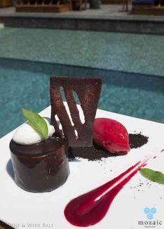 Glazed Valrhona Chocolate Mousse © Mozaic Beachclub