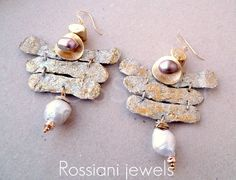 Shangai - Sablè line  Rossiani jewels, made in Italy, handmade jewels. Hammered and enameled aluminiun and silver, baroque and freshwater pearls, silver plated components