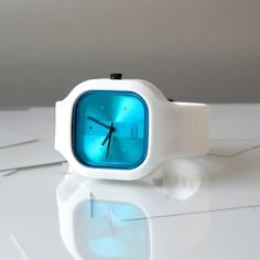 Your sneakpeeq fave is baaack! This icy blue and polar white watch will keep you cool this summer.