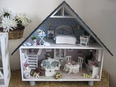 love the light colouring.  This doll house would be so easy to make.