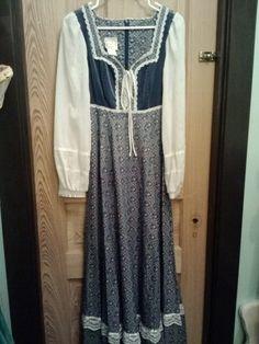 Beautiful blue velvet and calico gunne sax maxi dress sz 9. 41M64