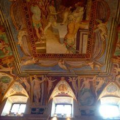 Castiglione del Lago - Palazzo della Corgna #alTrasimeno giro culturale, mica di cantine, come lo scorso anno! #castiglionedellago foto di @giulianekorkina