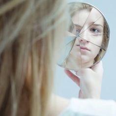 Zorgwelzijn - Stigma van psychiatrie zorgt voor drama's. We moeten er vanaf dat de psychiatrie in een adem genoemd wordt met gek zijn.