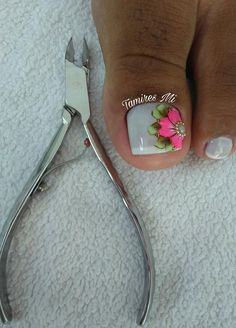 spring nails that are amazing Fancy Nails Designs, Nail Art Designs, Beautiful Nail Art, Gorgeous Nails, Toe Nail Art, Toe Nails, Manicure, Deep Purple Color, Floral Nail Art