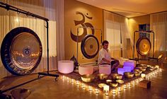 Looking to add some zen decor to your life? Why not buy a Zen Desk Gong for your table or desk? Learn the origin of gongs and read my top 5 mini gong list! Healing Meditation, Chakra Healing, Meditation Space, Zen Desk, Tibetan Bowls, How To Handle Stress, Sound Bath, Paz Interior, Sound Healing